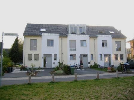 Neubau eines 3-Einfamilienreihenhauses in Bonn – Ückesdorf
